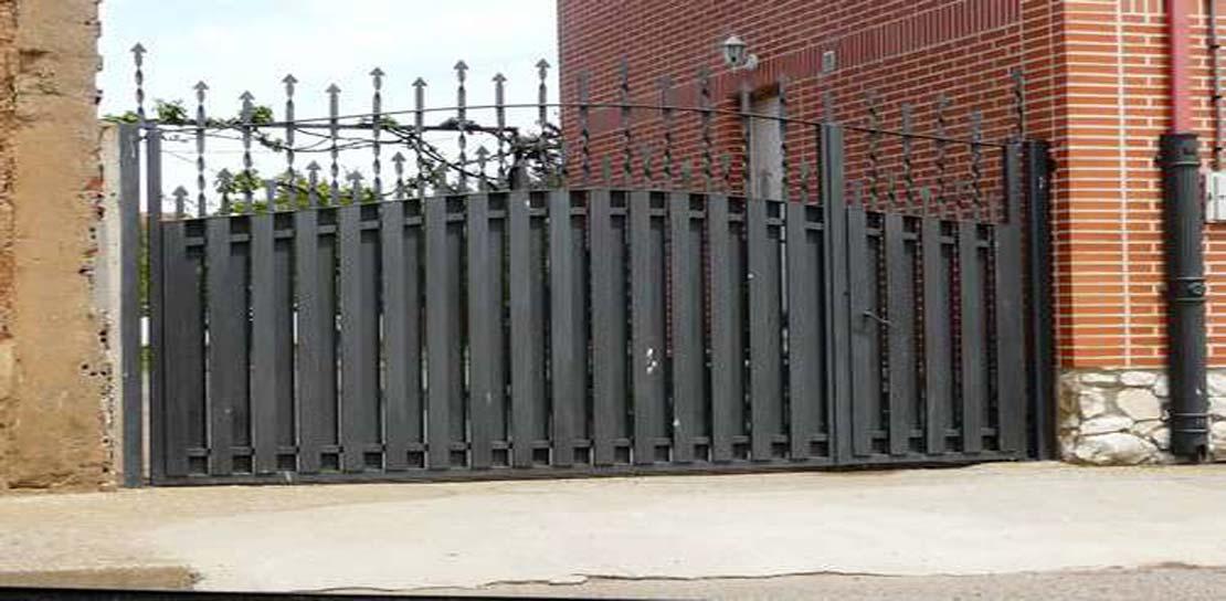 Taller de forja artesanal jj castro - Puertas forja exterior ...